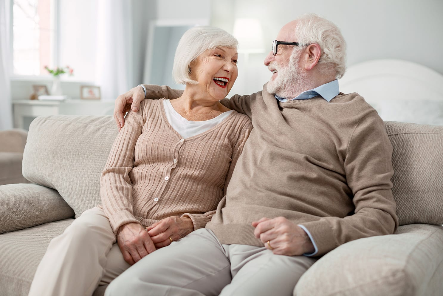 What features should you search for when visiting independent living communities _